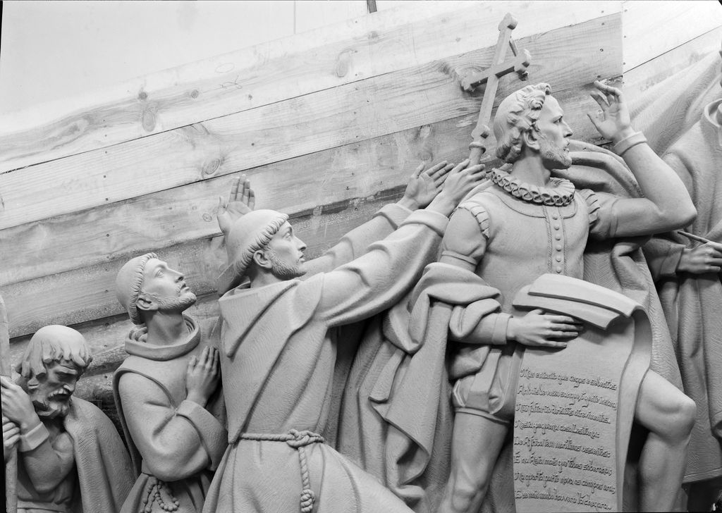 Photo of some of the figures in clay that constitute the Monument to the Discoveries