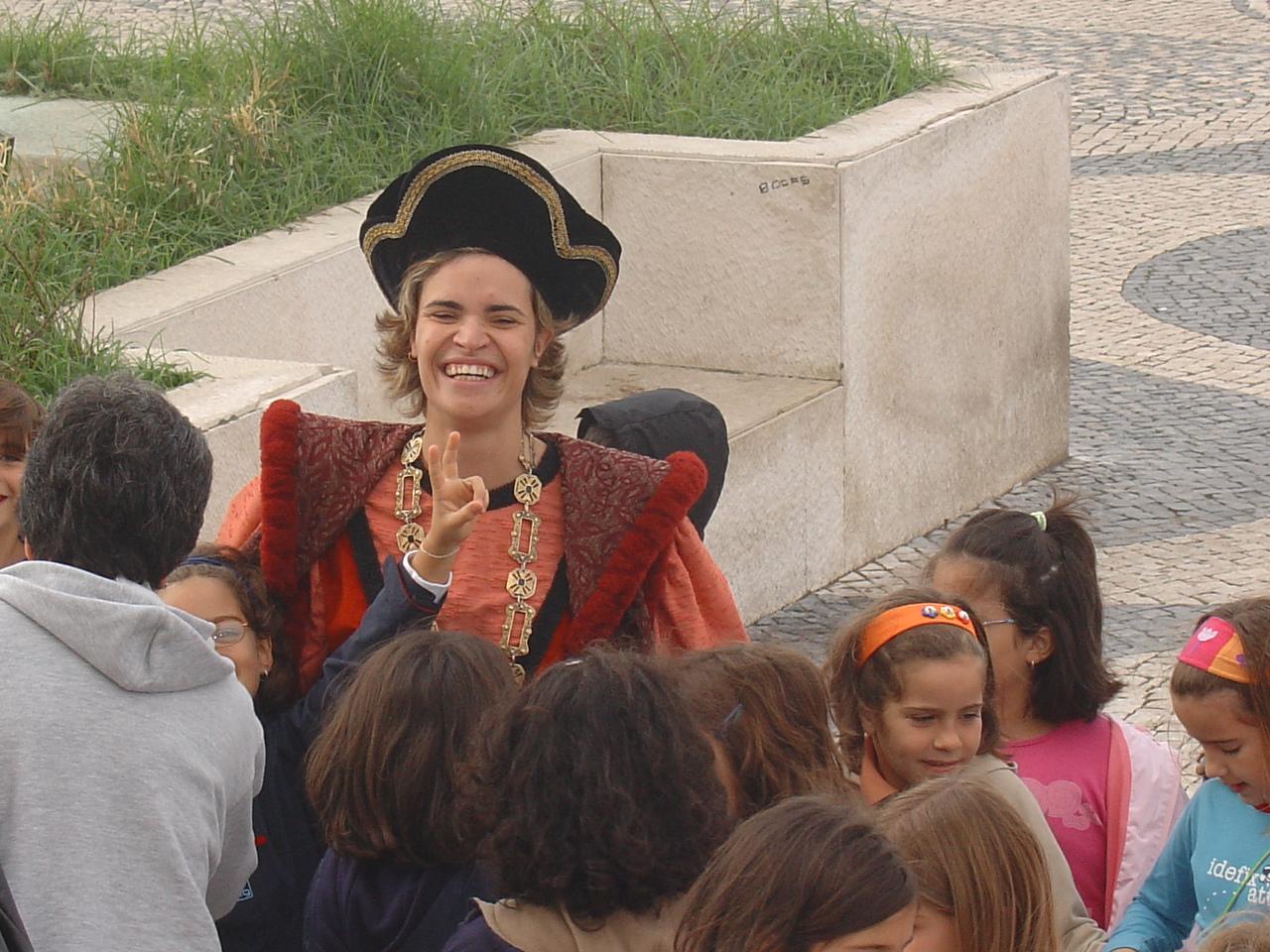 Pessoa vestida à maneira da época do navegador Bartolomeu Dias, século XV